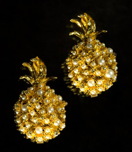 Pineapple earring! Alas! My idol with feet of clay!